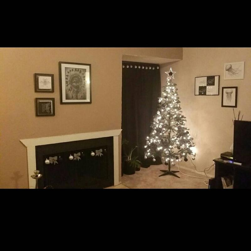 It's that time of the year again! Show me your tree!-1418178663803.jpg