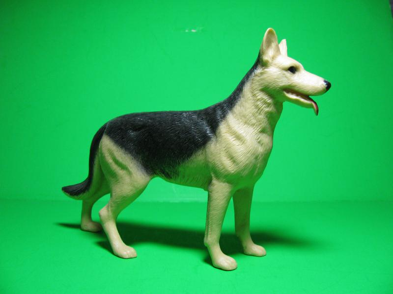 OUR GSD HEROES IN PLASTIC 1950s-60s-img_1273.jpg
