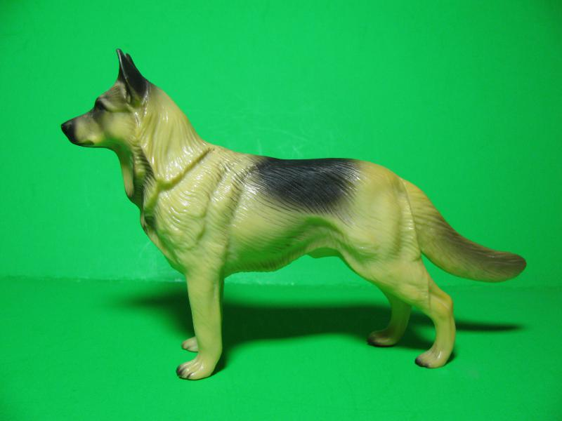 OUR GSD HEROES IN PLASTIC 1950s-60s-img_1287.jpg